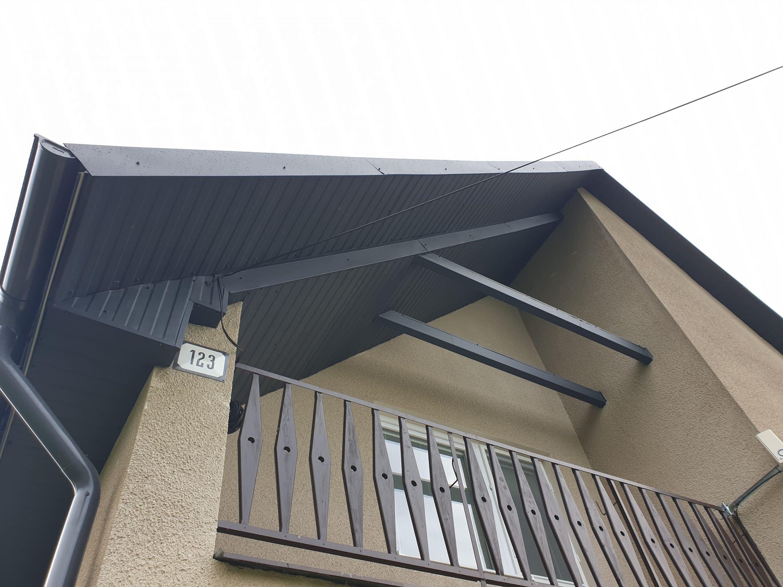 Podbitie strechy plechom. Postup a výhody takéhoto riešenia