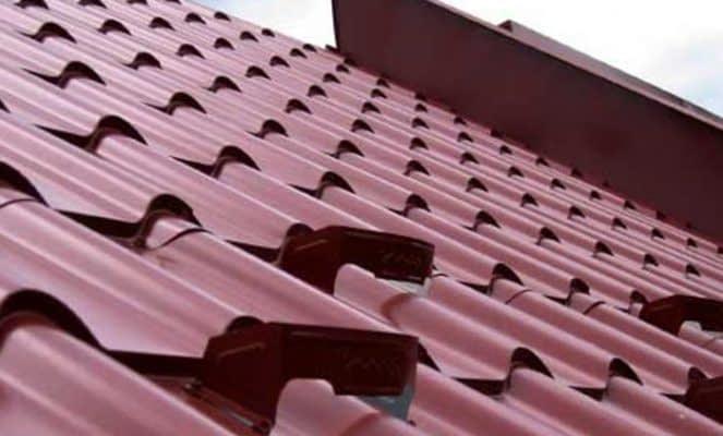 Povrchová úprava plechovej strechy: aký je jej účel a aké sú možnosti výberu?