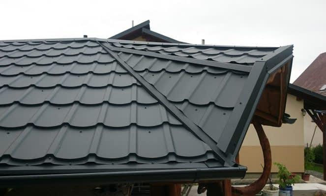 Aká je kompletná skladba plechovej strechy?