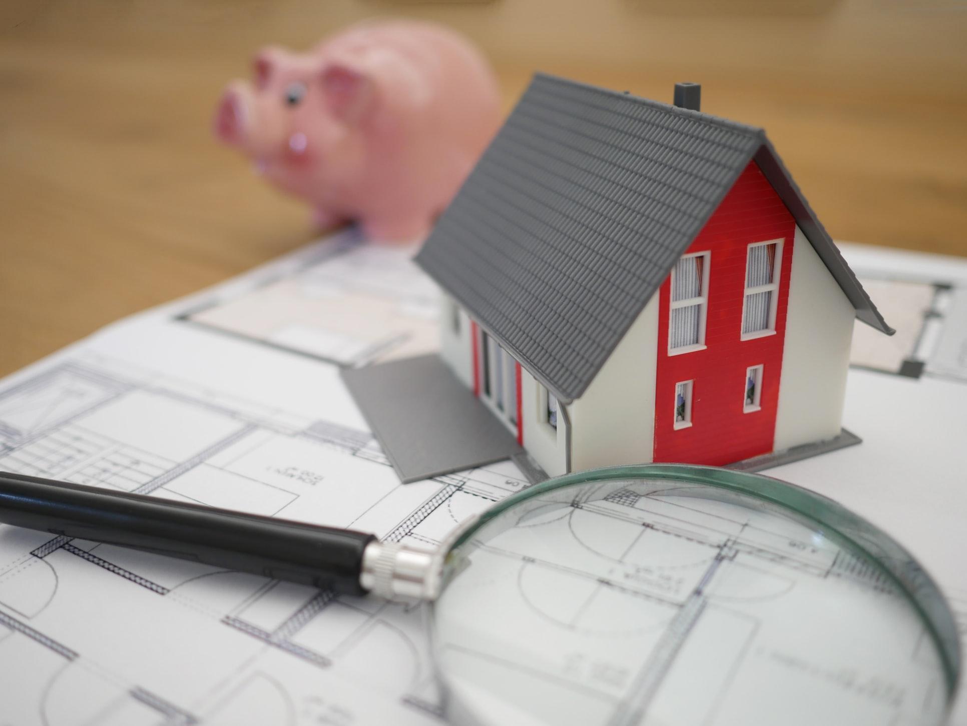 Čo všetko by mala zahŕňať dôkladná inšpekcia strechy?