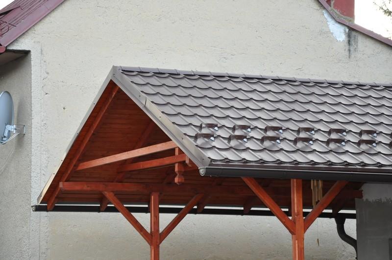 Záveterné lišty na streche: aké sú ich funkcie a prečo sú také dôležité?